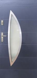 Tür mit Inox und Duo-Color Beispiel 23